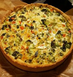 Vegetable quiche a tasty recipe from the tarte / quiche category. Coconut Recipes, Tart Recipes, Veggie Recipes, Snack Recipes, Snacks, Easy Smoothie Recipes, Easy Smoothies, Vegetable Quiche, Vegetable Tart