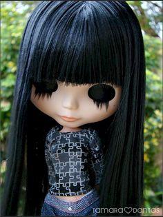 LOVE her hair...almost makes me wish i hadn't cut Bibi Basaak's hair! ;/