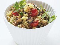 Couscoussalat mit Gemüse ist ein Rezept mit frischen Zutaten aus der Kategorie Salat. Probieren Sie dieses und weitere Rezepte von EAT SMARTER!