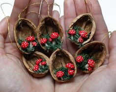 Buho adorno set - decoraciones de Navidad rústico - animal nogal ornamento ornamento-cáscara de nuez árbol de navidad ornamento - lindo bosque rústico ornamento de la Navidad  Mágico, encantador y hecho para durar muchos, muchos años, este magnífico ornamento de la Navidad es alegría. Super decoración cuarto lindo y maravilloso para la boda y el partido favorece demasiado. Sin embargo puede ser un regalo perfecto para cualquier diversión de buho! Decoración perfecta para ese árbol de Navidad…