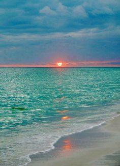 Maldives.. prettiest water, OMG.