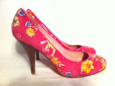 BETSEY JOHNSON Women's Hot Pink Floral Heels Pumps Shoes Size 8.5M