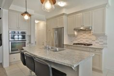 Mirjana Wheeler-Royal LePage Real Estate Services Ltd., Brokerage real estate agent homes, houses for sale in Oakville, Ontario Mls Real Estate, Real Estate Services, Real Estate Information, Estate Homes, Home Buying, Ontario, Property For Sale, Home Improvement, Kitchen