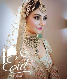 Indian bride look Bollywood star . Indian Bridal Makeup, Indian Bridal Fashion, Indian Wedding Jewelry, Wedding Makeup, Bridal Makeup Images, Bridal Necklace, Bridal Jewelry, Gold Jewelry, Jewellery Box