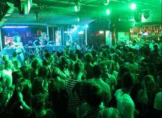 La noche cobra vida en las discotecas de #Malta