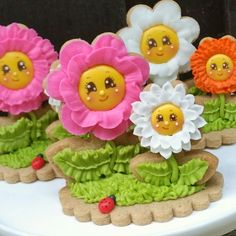 Flowers make me happy!  (and cookies too...)