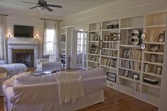 Dover White on living room walls for a monochromatic feel from Hooked on Houses Craftsman Built In, Craftsman Cottage, Craftsman Bungalows, Modern Craftsman, Craftsman Style, Cottage Living, Cozy Cottage, Sherwin Williams Dover White, Built In Bookcase