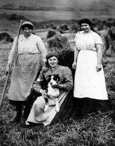 Tour Scotland Photographs: Old Photograph Female Farm Workers Argyll Scotland