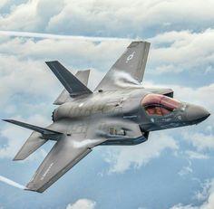 US Marines Lockheed-Martin F35 Lightning, Lightning Mcqueen, Lightning Aircraft, Us Military Aircraft, Military Jets, Air Fighter, Fighter Jets, Fighter Pilot, Lightning Drawing