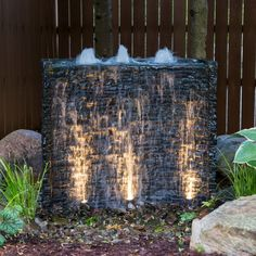 19 ideas outdoor patio wall water features for 2019 Modern Water Feature, Small Water Features, Diy Water Feature, Outdoor Water Features, Backyard Water Feature, Water Features In The Garden, Water Falls Backyard, Water Falls Garden, Garden Fountains