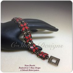 Beadwork by the hands of C-Shaw Designs. Pattern by Deb Roberti.