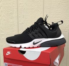 best sneakers 750d1 3aa3f nike air presto essential black White Mens Running Shoes New Size 9 fashion  clothing