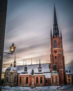 """karl on Instagram: """"Testade nd-filter och långa exponeringar morgonen till ära... Här en 120s exponering på Riddarholmskyrkan... #stockholm #sweden…"""" Stockholm, Karl, Big Ben, Filter, Building, Travel, Instagram, Viajes, Buildings"""