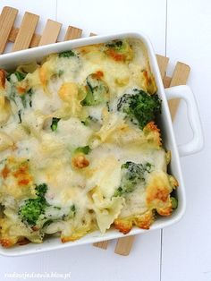 Zapiekanka z makaronem, brokułami i kurczakiem Kielbasa, Kitchen Recipes, Cooking Recipes, Healthy Recipes, Healthy Food, Big Meals, Easy Meals, Broccoli, Good Food