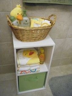 Keep baby's bathtime necessities organized #Nesting