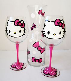 ultimate hello kitty wine set - 2 wine glasses - 1 decanter by JD BOUTIQUE Hello Kitty Wine, Hello Kitty Crafts, Chat Hello Kitty, Hello Kitty Kitchen, Hello Kitty Items, Hello Kitty Collection, Hand Painted Wine Glasses, In Vino Veritas, Cat Party