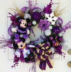 Purple Christmas Wreath with Mickey and Minnie Mickey Christmas, Purple Christmas, All Things Christmas, Christmas Time, Mickey Mouse Wreath, Disney Wreath, Mickey Minnie Mouse, Christmas Mesh Wreaths, Christmas Decorations