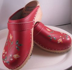 vintage swedish clogs - i feel like you would wear these @Teresa Selberg Miles Kephart