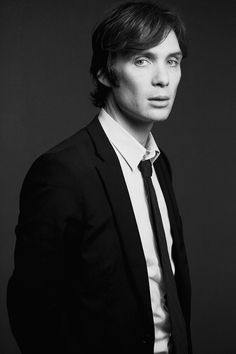 Julian Hartwell (Cillian Murphy) is a defense attorney, district manager, and member of the plot to kill Silver.