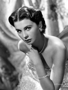 Portrait of Jean Simmons Photo at AllPosters.com