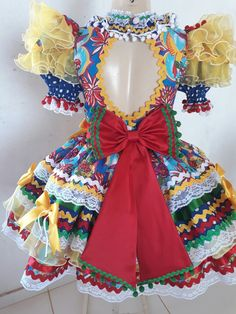 Vestidos juninos Baby Frock Pattern, Frock Patterns, Doll Clothes Patterns, Clothing Patterns, Mexican Outfit, Mexican Dresses, Kids Gown, Funny Fashion, Toddler Fashion