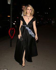 Braless Dianna Agron has wardrobe malfunction at McQueen gala #dailymail