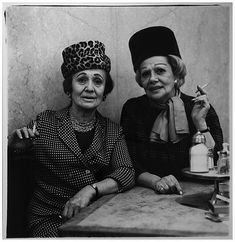 Proof of Life: The Iconic Photography of Diane Arbus Diane Arbus, Black And White Portraits, Black And White Photography, Most Famous Photographers, Hayward Gallery, Most Viral Videos, Circus Performers, Two Ladies, Nyc