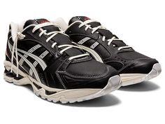 "GEL-KAYANO 14 ""MONOZUKURI""   BLACK/CREAM   スポーツスタイル(アシックスタイガー) メンズ スニーカー   ASICS Next Shoes, Beige Shoes, Gel Lyte, Beige Background, Liner Socks, Buy Shoes, Hypebeast, Asics, Trainers"