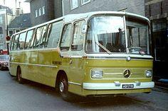Mercedes o 302