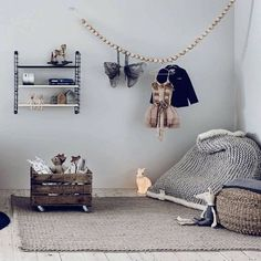 Cosy kidsroom inspiration on this rainy evening #styling #decoration…