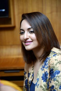 Sonakshi Sinha promotes Lingaa. #Fashion #Style #Beauty