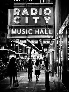 Urban Scene, Radio City Music Hall by Night Black And White Picture Wall, Black And White City, Black And White Pictures, Gray Aesthetic, Black Aesthetic Wallpaper, Black And White Aesthetic, Manhattan Times Square, Times Square New York, Manhattan Nyc