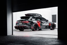 Jon Olsson finally unleashes his Audi DTM road car for the Gumball 3000 Rally! Audi Rs6 Avant, Rs6 Audi, Audi Allroad, Camouflage, Best Wagons, Automobile, Gumball 3000, Black Audi, Audi Cars