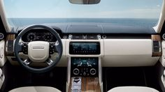 Land Rover fans who are a tad eco-conscious can now look the marque's 2018 Range Rover because, this luxury off-roader has now gone a teeny weeny bit greener - thanks to the plug-in hybrid (PHEV) Range Rovers, Range Rover Sport, The New Range Rover, Land Rover 2018, Land Rover Car, Interior Range Rover, Range Rover Supercharged, Mclaren Mercedes, Cars Land