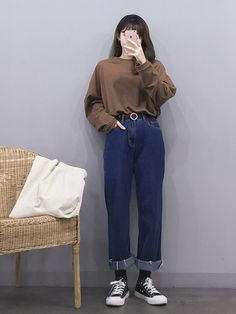 I will wear this.through the screen Korean Fashion Trends, Korean Street Fashion, Korea Fashion, Asian Fashion, Look Fashion, 90s Fashion, Girl Fashion, Fasion, Style Ulzzang