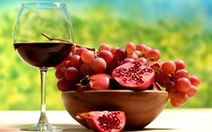 For more juicing tips, click now. Stay healthy and fit simply by capitalizing on making juice. Nutrition is critical to our long term wellbeing. A good amount of vegetables and fruit will always be healthy for you. Pomegranate Wine Recipes, Pomegranate Juice, Healthy Fruits, Healthy Drinks, Stay Healthy, Eating Healthy, Healthy Skin, 4k Ultra Hd Wallpapers, Granada