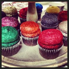 Glitter bomb cupcakes so cool! Cupcake Frosting, Baking Cupcakes, Cupcake Cookies, Themed Cupcakes, Fun Cupcakes, Glitter Cupcakes, Cute Baking, Edible Glitter, Fancy Desserts