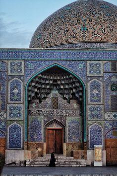 Lotfollah Mosque . Esfahan Iran