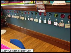 Setting up word walls for back to school classroom organization- get inspiration and ideas for setting up your sight word wall for primary and intermediate students Classroom Word Wall, 2nd Grade Classroom, Classroom Setting, Classroom Setup, Classroom Design, Kindergarten Classroom, Future Classroom, School Classroom, Reggio Classroom