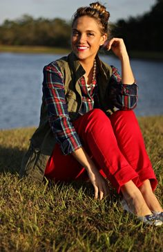 army green vest + plaid flannel + red skinnies -- all jcp brand from Black Friday Fall Winter Outfits, Holiday Outfits, Autumn Winter Fashion, Fall Fashion, Holiday Wear, Holiday Mood, Winter Wear, Fashion Ideas, Army Green Vest