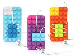 If you're a fan of LEGO, the popular construction toys from Denmark, you'll definitely be interested by the Connect Design Block Case for the iPhone 4/4S. Inspired by LEGO blocks, this unique case is made of rubber and features bumps [...]