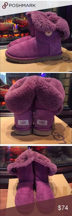 Ugg boots ! Good condition used plum bailey button uggs ! Really soft size 7 box not included but will send in another ugg box ! UGG Shoes