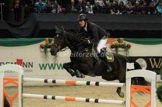 Hans-Thorben Rüder siegt im Großen Preis von Kiel: http://reiterzeit.de/turnierergebnisse-reitsport/baltic-horse-show/#14