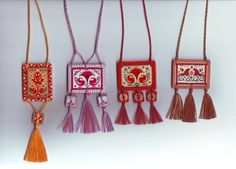Arabian Mehndi Design, Mehndi Designs, Swipe File, Russian Folk, Quilling, Tassel Necklace, Folk Art, Projects To Try, Hand Painted