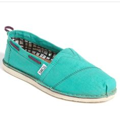Love these Toms.