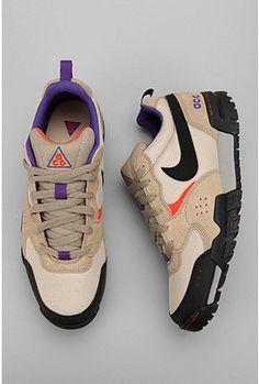 Nike Pyroclast ACG Sneaker