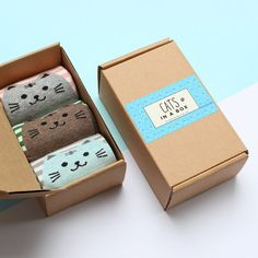 Know someone who love cats? Surprise them with this sock box, featuring three pairs of colourful striped socks with cute cat face on the heels
