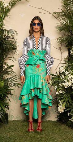 Get inspired and discover Johanna Ortiz trunkshow! Shop the latest Johanna Ortiz collection at Moda Operandi. Fashion 2017, Look Fashion, Runway Fashion, High Fashion, Fashion Show, Fashion Dresses, Womens Fashion, Fashion Design, Fashion Trends
