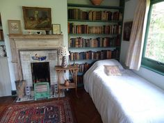 Twitter / Lit_Books: Virginia Woolf's bedroom ...