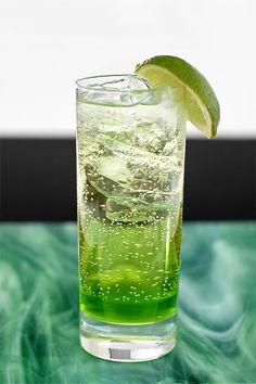 Melon Heaven (non-alcoholic) - Bartender& Recipe - Spisa.nu - Melon Heaven (non-alcoholic) – Bartender& Recipe – Spisa. Fancy Drinks, Summer Drinks, Cocktail Drinks, Cold Drinks, Beverages, Refreshing Drinks, Glace Fruit, Cocktail Illustration, Krispy Kreme